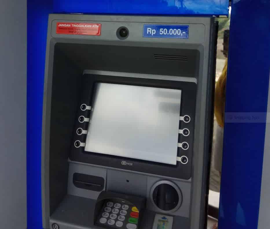 Tips-Bertransaksi-yang-Aman-Menggunakan-Mesin-ATM-BCA