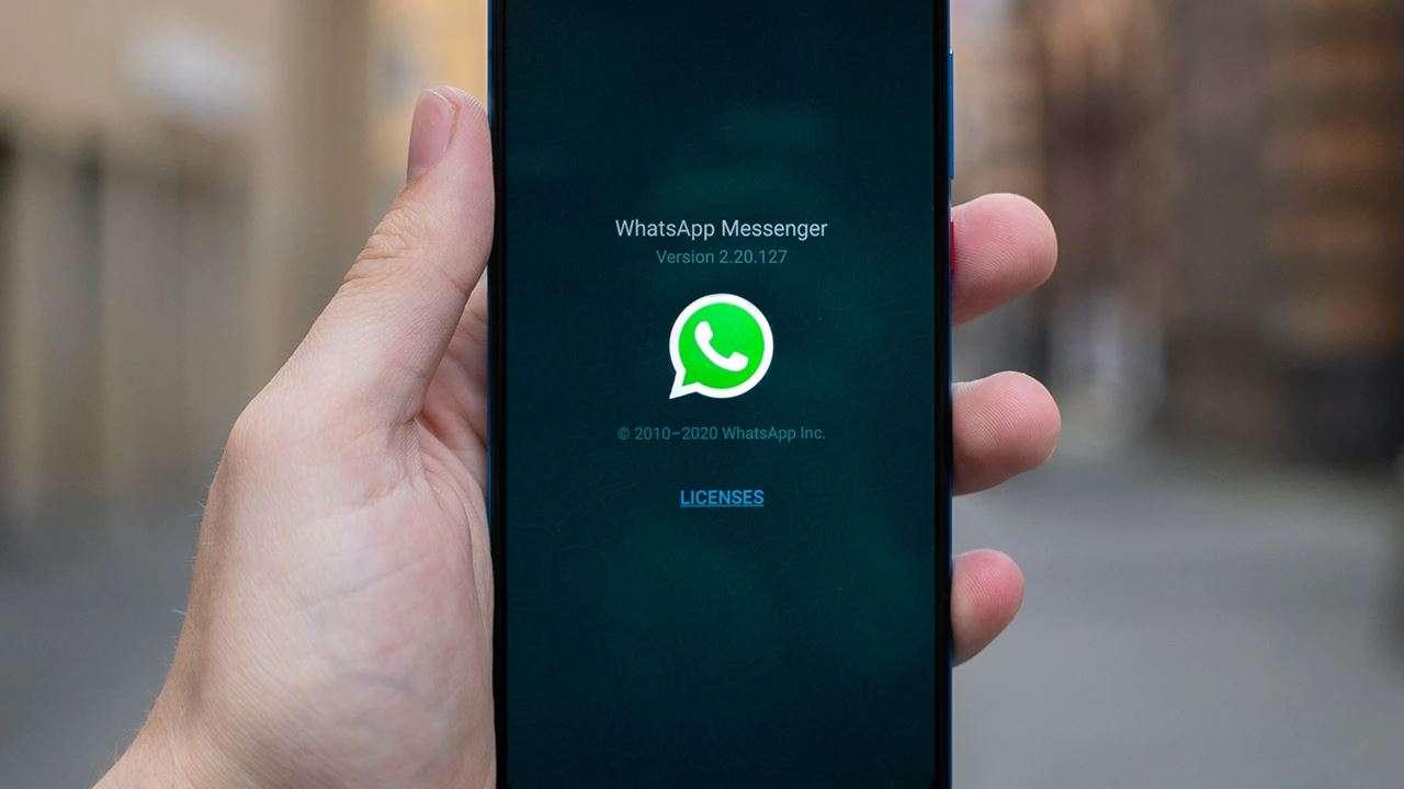 Tergantung-Pada-Aplikasi-WA-di-Smartphone